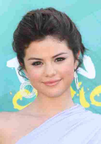 Selena Gomez (click read more)