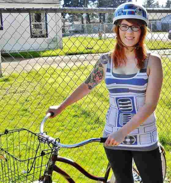 自転車のヘルメットをカスタマイズする