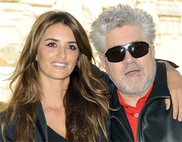Almodóvar and Penelope Cruz