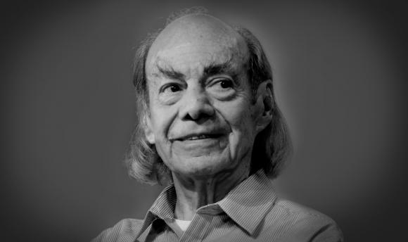 Manuel El Loco Valdez como Don Porfirio Carmona