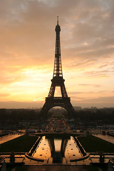 EIFFEL TOWER (ФРАНЦИЯ)