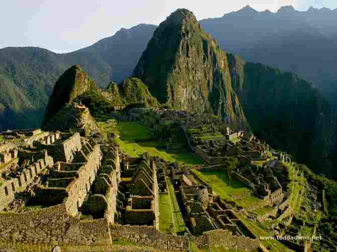 MACHU PICCHU, PERU)