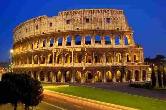 ROMAN COLISEUM (ITALY)