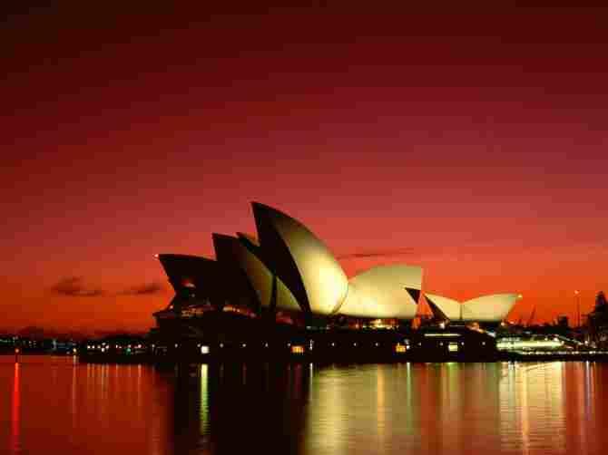 SYDNEY OPERA (AUSTRALIA)