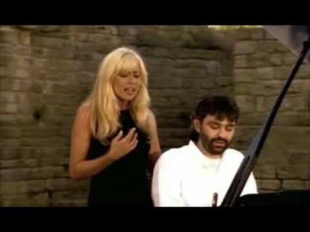 """Andrea Bocelli e Martha Sanchez """"Eu vivo para ela"""""""