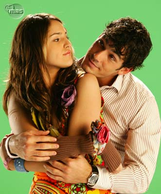 Eiza Gonzalez and Aaron Diaz