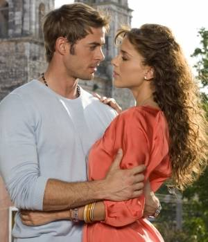 Jacqueline Bracamontes und William Levy