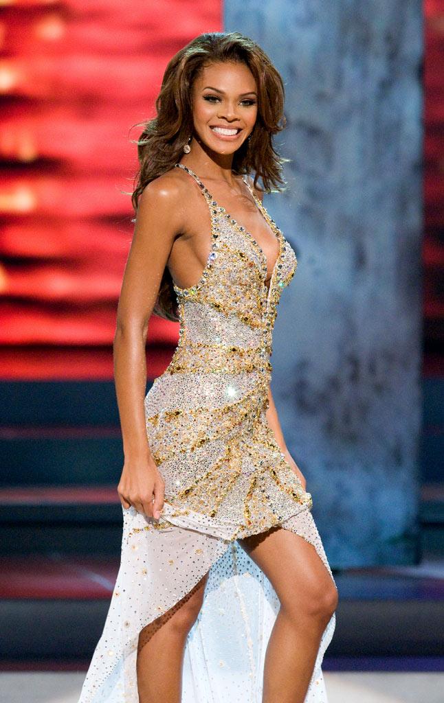 🥇2000年から2009年までのドレスで最高のミスユニバースイブニングドレス