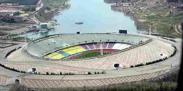 Azadi - 90.000 espectadores