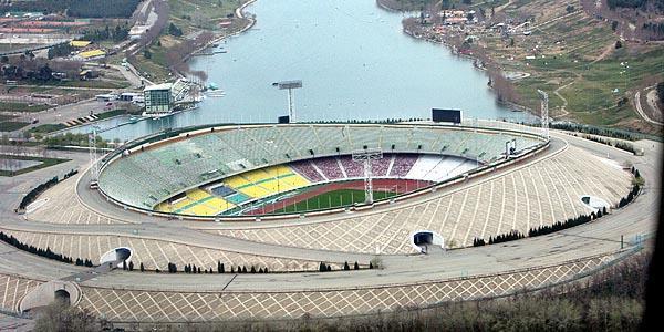 Azadi - 90,000 spectators