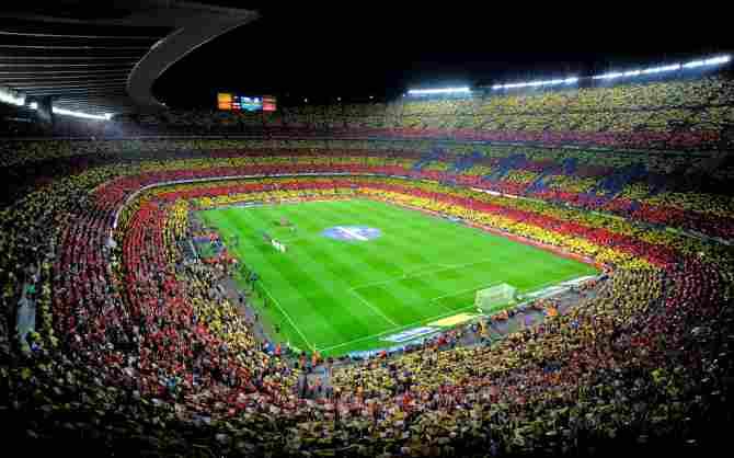 Camp Nou - 99,354 spectators