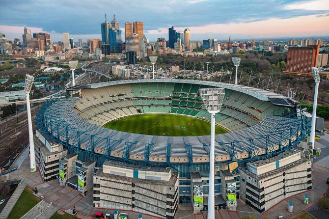 Melbourne Cricket Ground - 100 024 åskådare