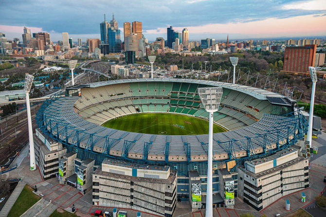 Melbourne Cricket Ground - 100.024 Zuschauer