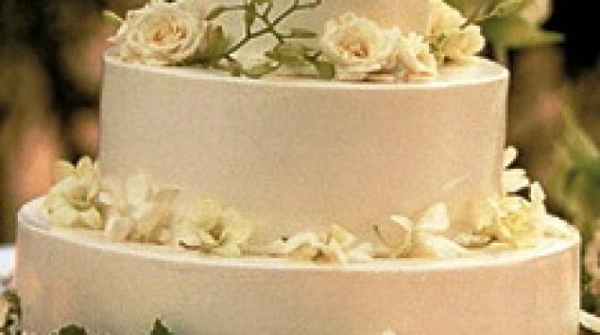 Самые эффектные королевские свадебные торты
