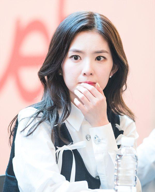 Irene / veludo vermelho