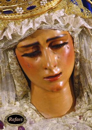 Virgin of anguish (gypsies)