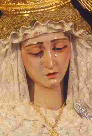 Virgin of rosary painful in her mysteries