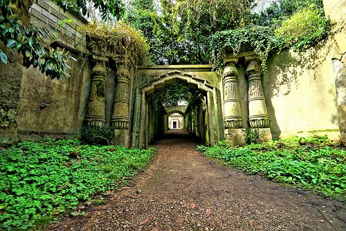Highgate Cemetery (England)