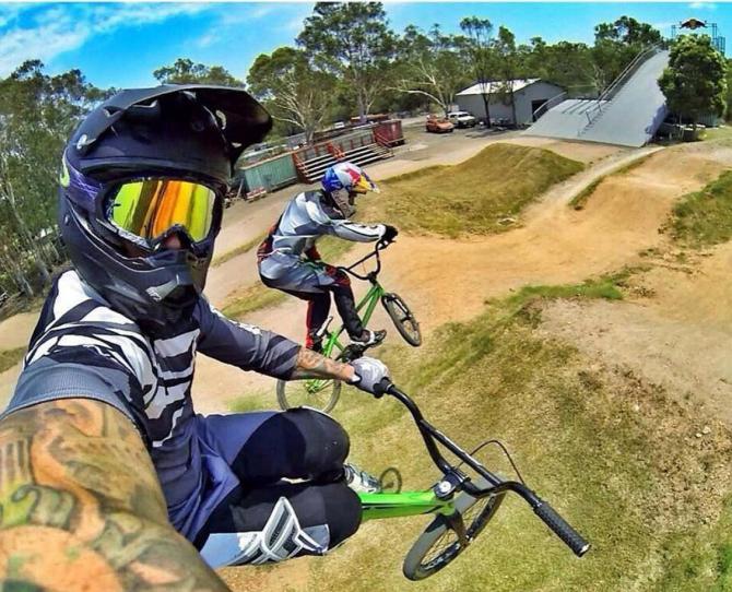 Selfie trên bánh xe