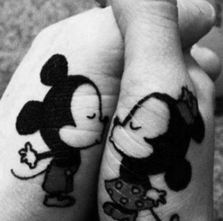 Tatuagens impressionantes do amante da Disney