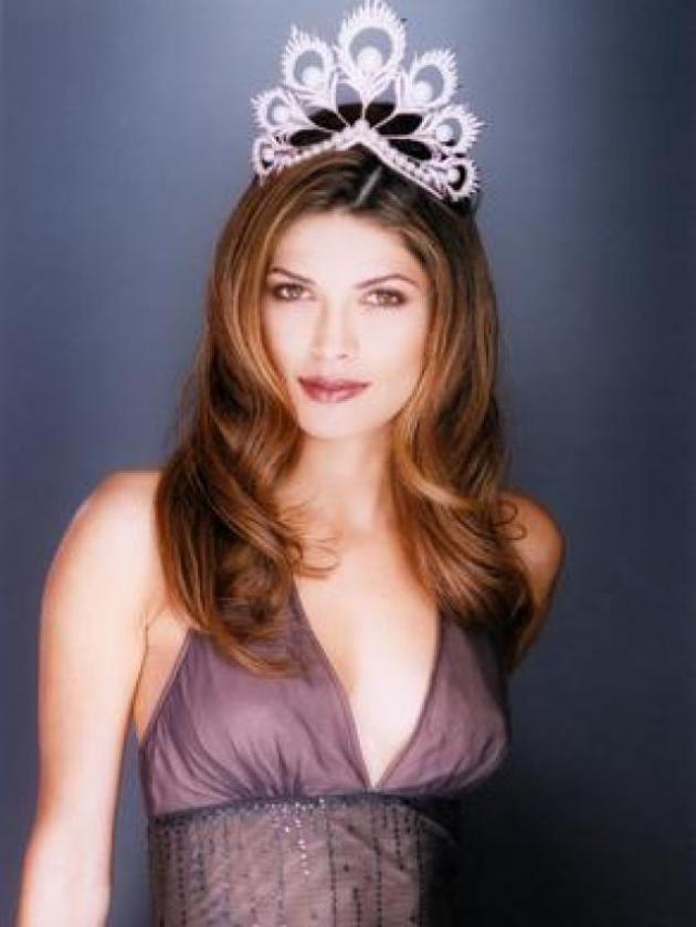 Justine Pasek (Miss Universo 2002, Panamá)