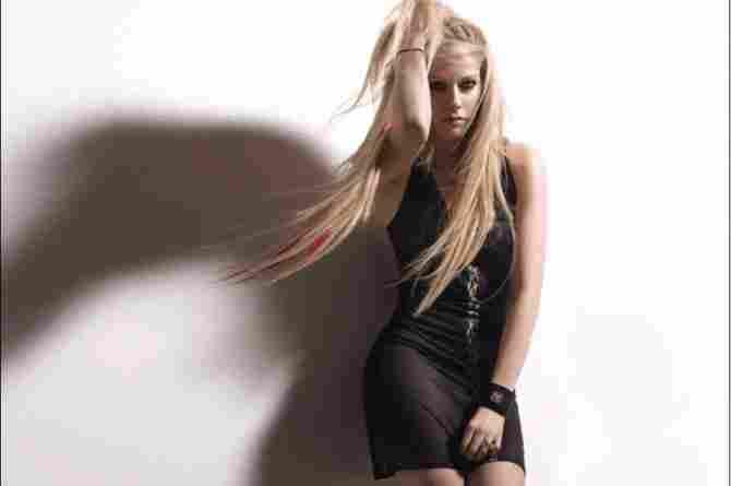 艾薇儿·拉维尼(Avril Lavigne)