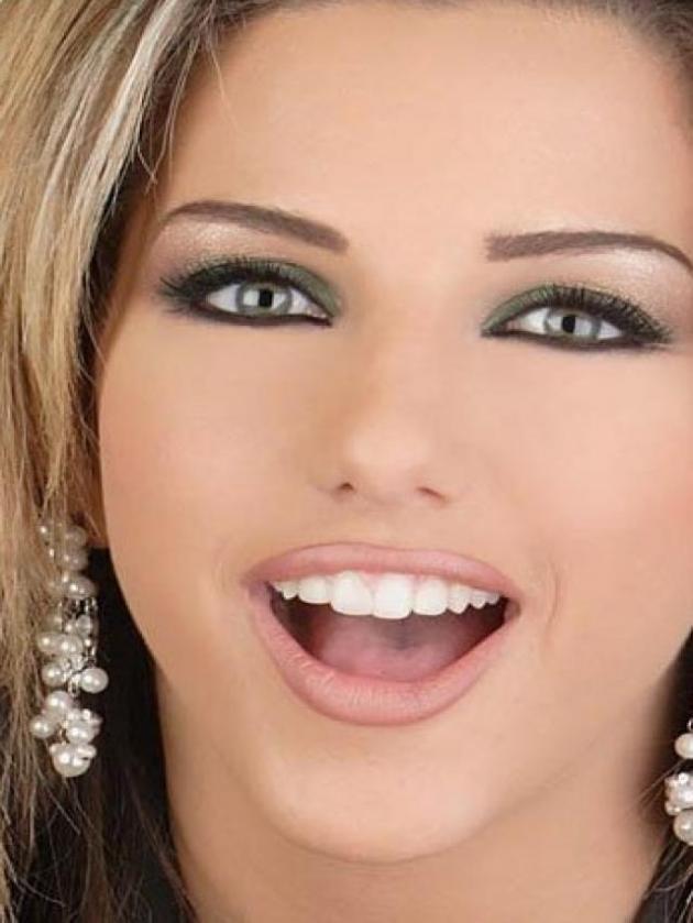 Dana Halabi (* Kuwait)