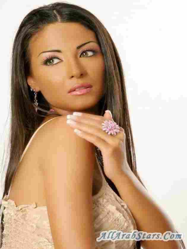 Dolly Shahine (Sebney)
