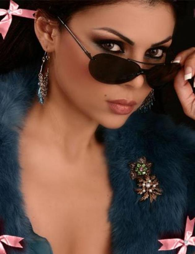 Haifa Wehbe (Mahrouna)