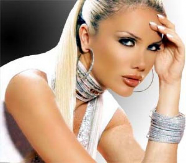 Nicole Saba (Beirut)
