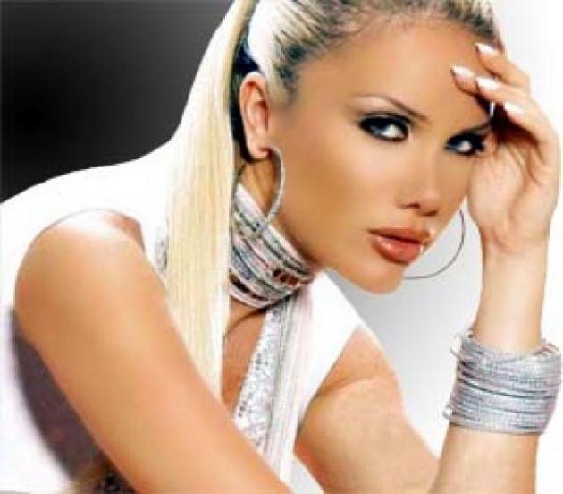 Nicole Saba (Beirute)