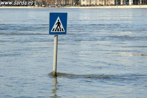 Pedestrian crossing on the water?
