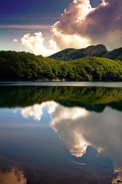 Святое Озеро (Италия)