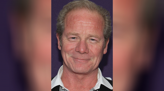 Best Peter Mullan movies