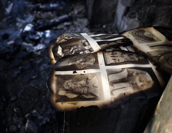 L'Egypte (Description of Egypt) 160 thousand manuscripts and maps burned