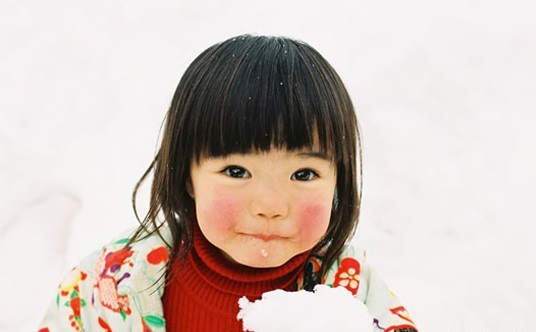 冬子 Fuyuko (Winter girl / Winter daughter)