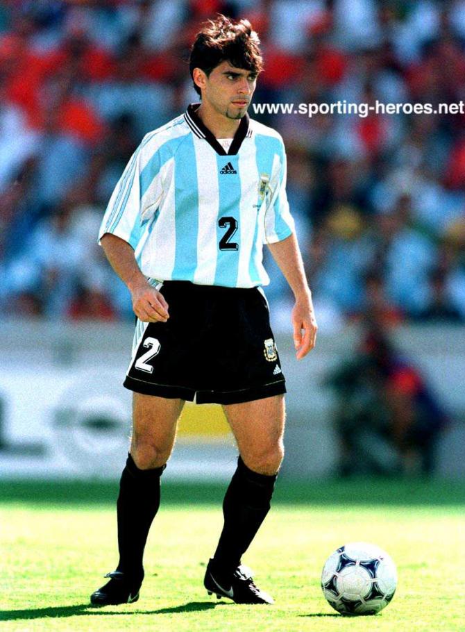 Roberto Ayala (Argentinien).