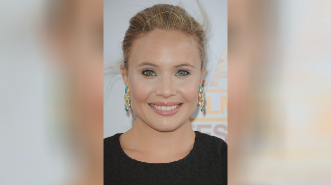 Best Leah Pipes movies