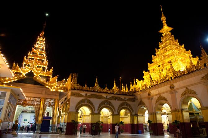 Храм Махамуни (Мьянма)