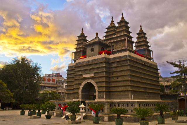 Храм пяти пагод (Китай)
