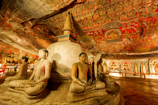 Золотой храм Дамбуллы (Шри-Ланка)