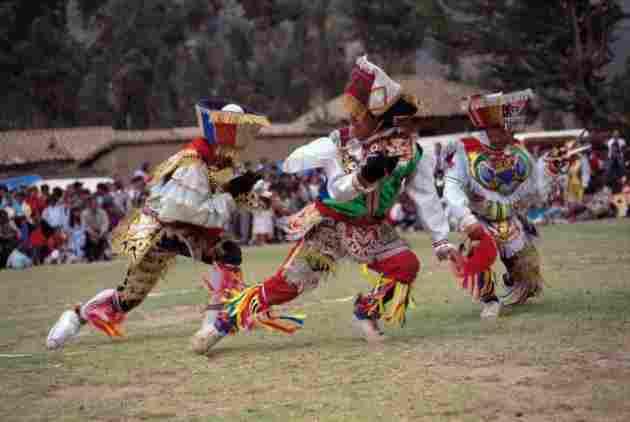 Danza de Tijeras, Perú