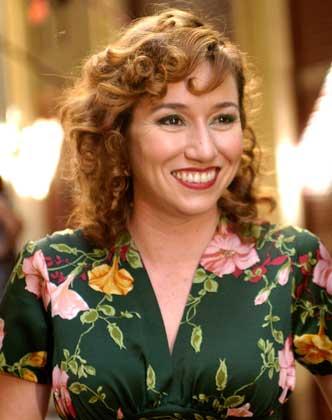 Lola Duenas