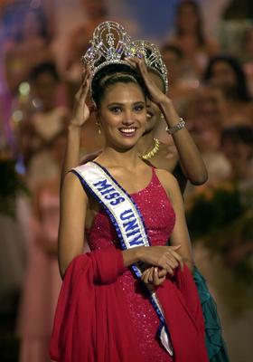 Мисс Вселенная 2000-Индия
