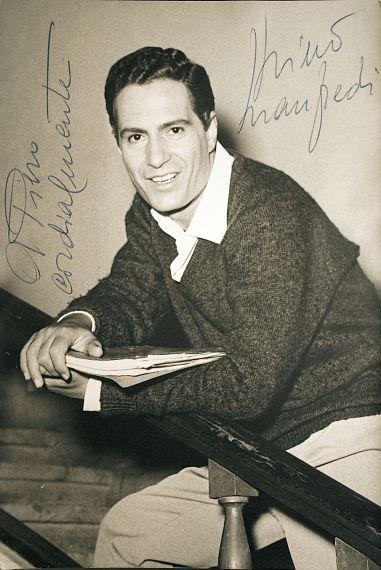 Нино Манфреди (актер, режиссер и певец)