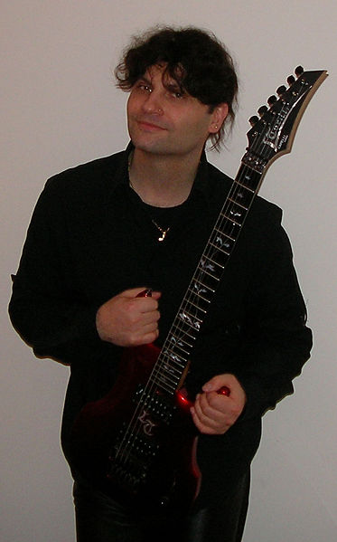 Лука Турилли (музыкант и композитор)