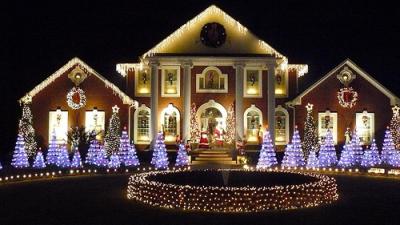 Лучшие украшенные дома на Рождество