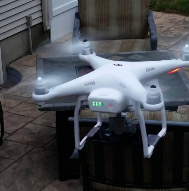 En drone för att fånga Pokémons