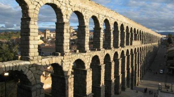Die 10 römischen Aquädukte zu bewundern