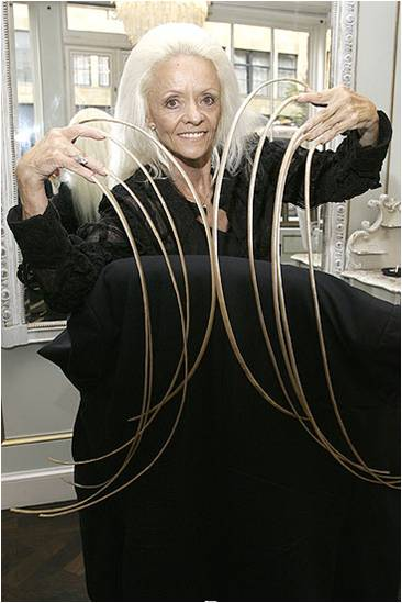 The woman with the longest nails